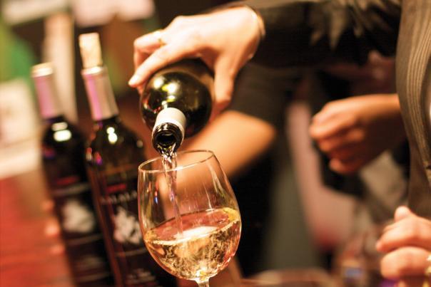 Kalala Wine Glass