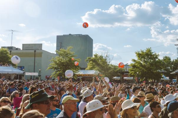 Crowds of music lovers gather at Festival International