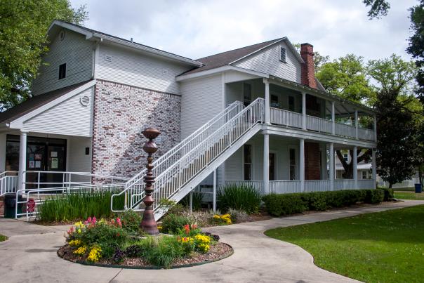 Henning House in Sulphur, Louisiana