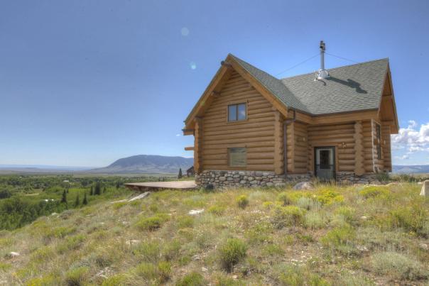 Log Cabin Overlooking Centennial Valley