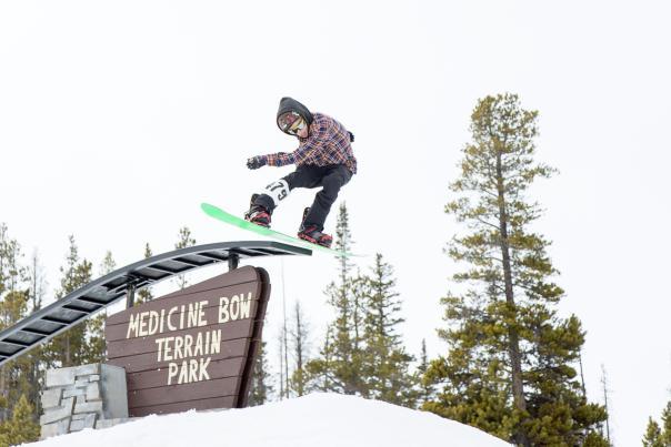 5 Reasons to Ski the Snowy Range BHP (1)
