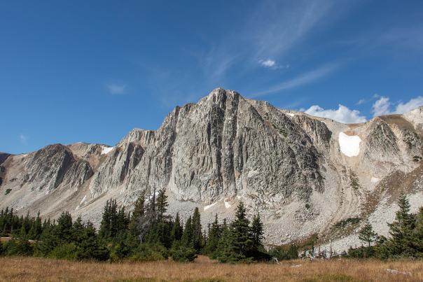 Medicine-Bow-Peak-Lake-Trail