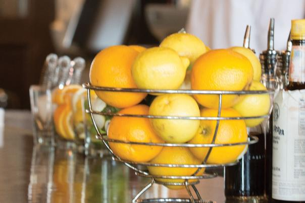 Bar with Lemons