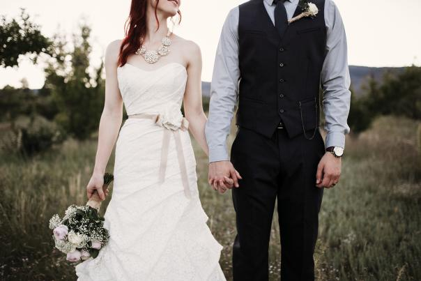 Jaclynn and Daniel Dodge joined their hands in marriage at Manzano Mountain Retreat