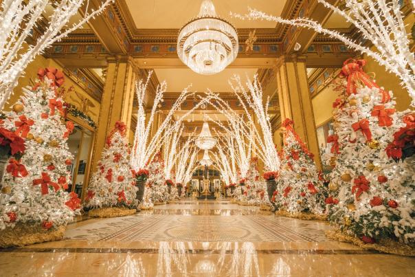 Holiday Lobby - Roosevelt Hotel