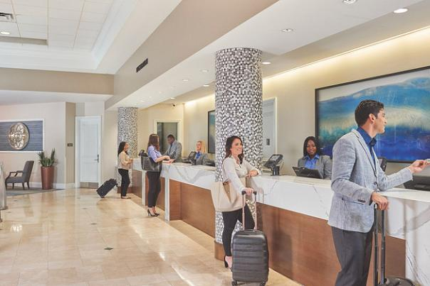 Rosen Plaza Hotel check-in at lobby