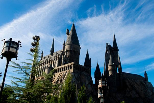 Influencer Katie Ellison and her family visit the World of Harry Potter at Universal Orlando