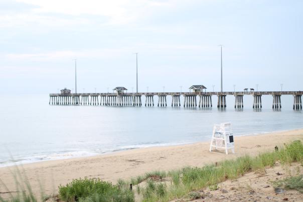 jennette's pier - beach - lifeguard stand
