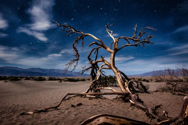 hike in death valley featured web