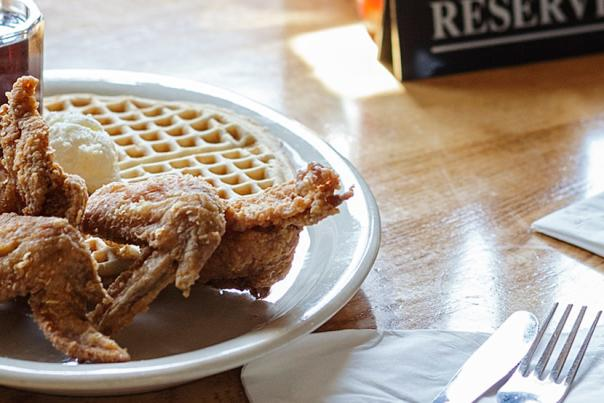 Lolo's Chicken and Waffles - Header