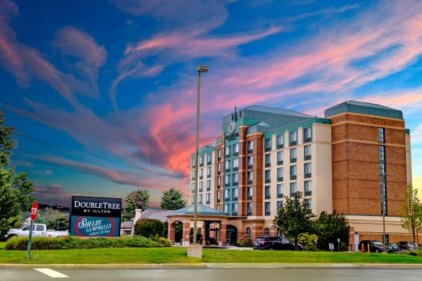 DoubleTree by Hilton - Exterior