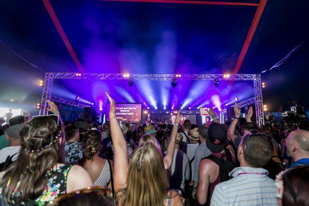 Fringe_Massaoke_Glastonbury Festival