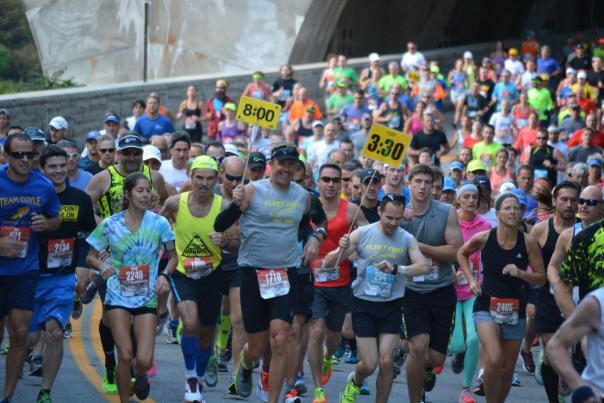 Starting Crowd at the Rochester Marathon