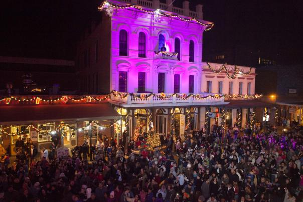 Theatre of Lights 2_Photo courtesy of Old Sacramento Waterfront