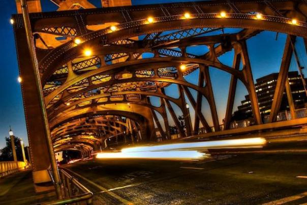 tower_bridge_in_sacramento_w640