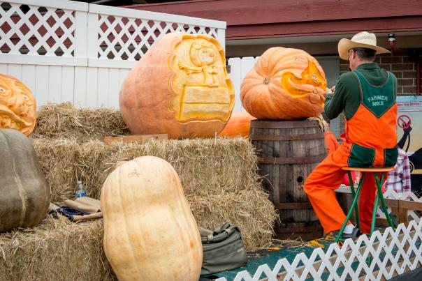Pumpkin_Carving_HalfMoonBay_PumpkinFestival_by_BradleyWittke_SanMateoCounty_SiliconValley