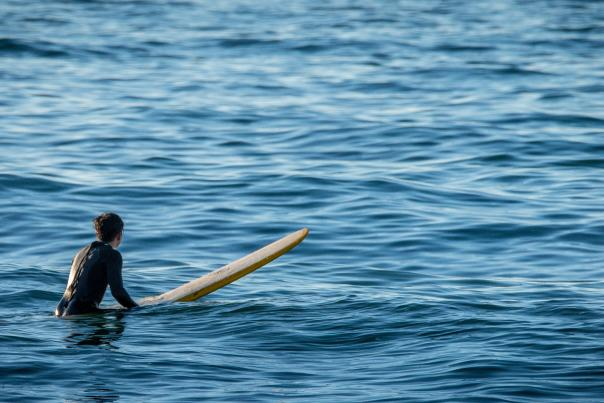 Surfer_waiting_for_waves_Pacifica_SanMateoCounty_SiliconValley_by_BradleyWittke