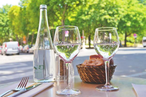 Outdoor-Dining-Restaurant