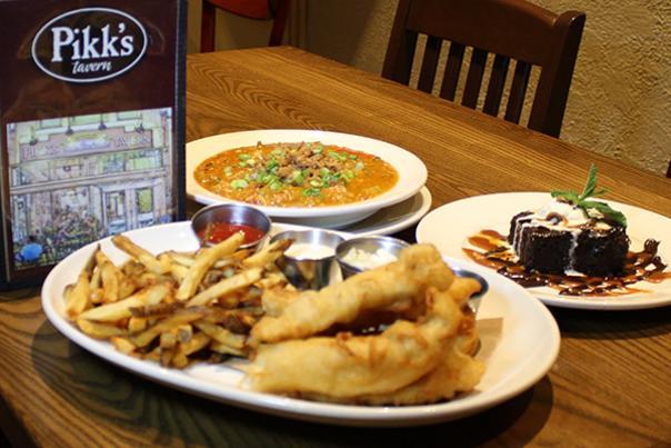 Pikk's Tavern dinner