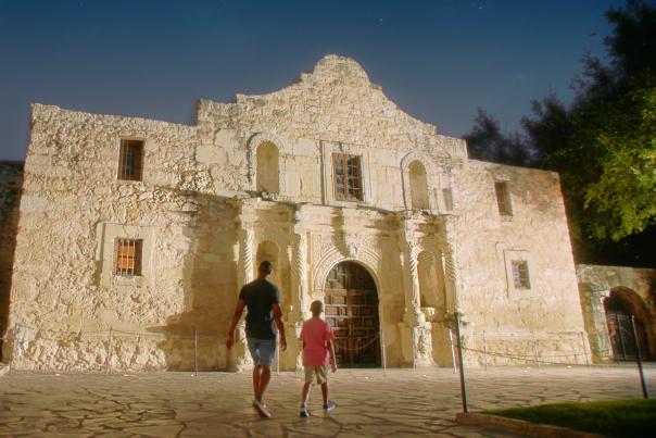 Alamo-San Antonio-Night-H