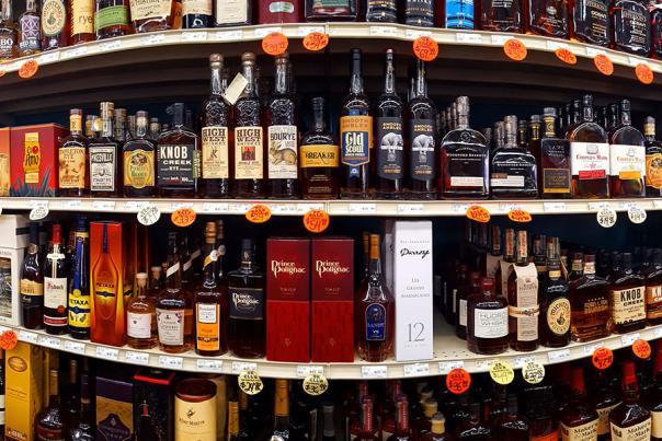 Drinks-big-shelf