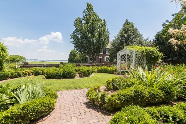 Read House Garden