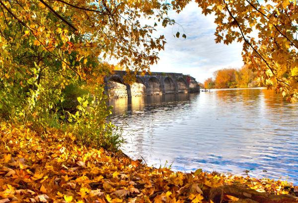 Erie Canal Aqueduct in the fall