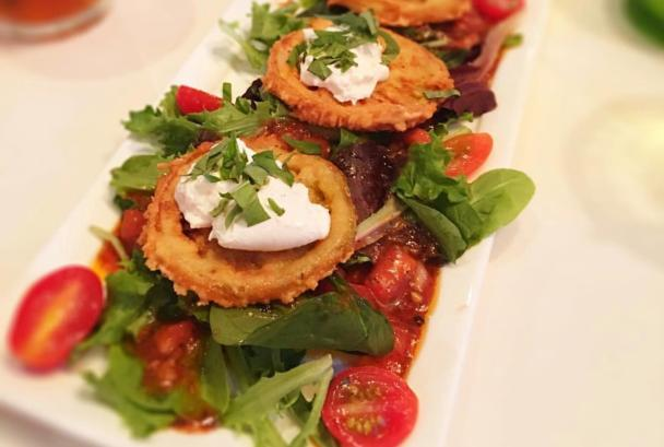 Fried Green Tomatoes on a plate from Tuskies in Loudoun County