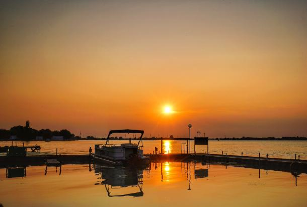 Erieau Sunset at the water