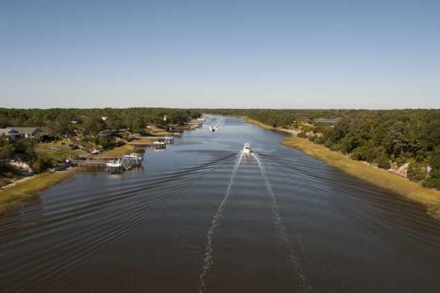 Boating in the Intracoastal Waterway in Oak Island