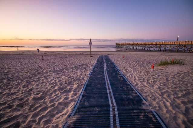 Beach access mat