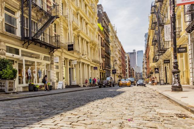 The Spending Power and Patterns of Latino Travelers - Hero