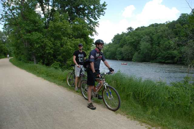Cycling in Eau Claire | Best Places to Bicycle Safely