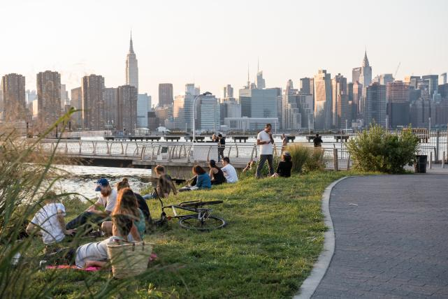 Transmitter park, green point, brooklyn, skyline, park, summer