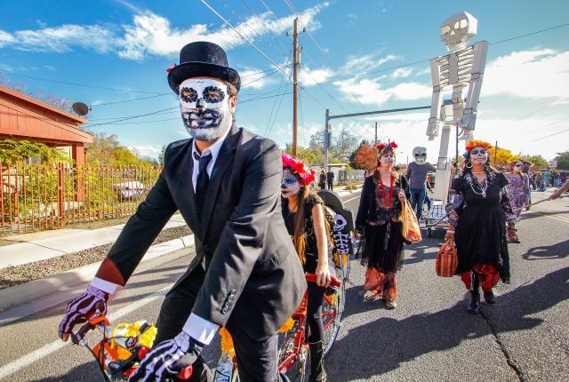 Dia de los Muertos Parade in Albuquerque
