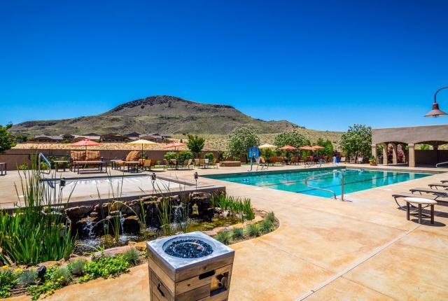 Swimming pool at Jubilee Los Lunas