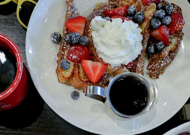 Easter-Brunch-Restaurants-in-Overland-Park