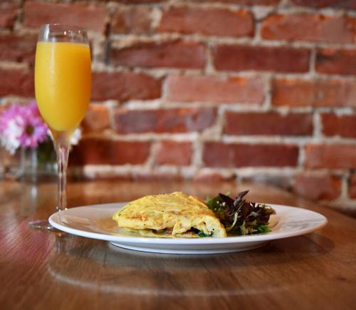 Mimosa and omelet from Red Yeti during brunch