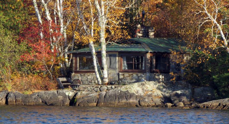 fall-lake-cabin