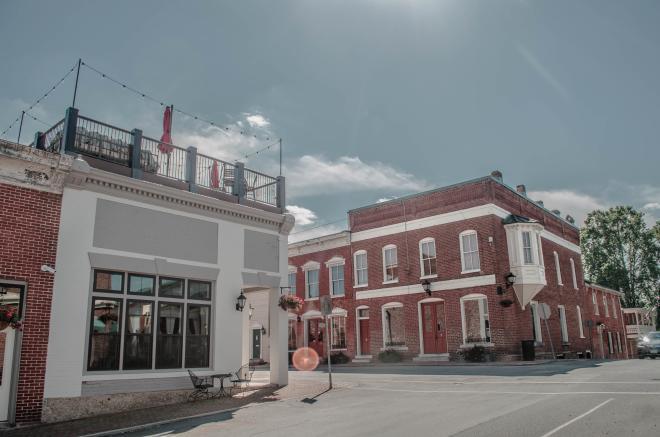 1772 Rooftop - Historic Fincastle