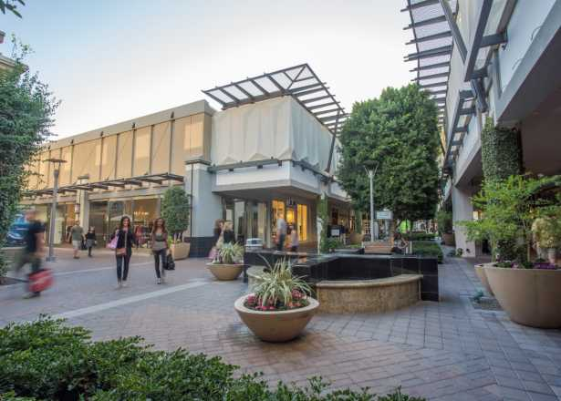 Phoenix Malls & Shopping Centers | Fashion, Food & Outlets