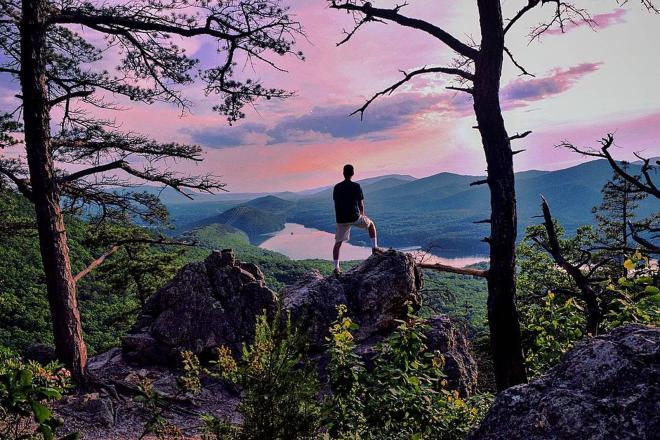 Hay Rock Hiking Trail - Roanoke