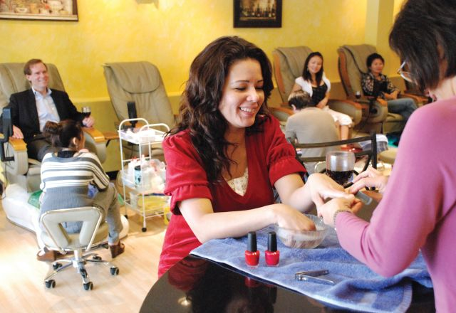 Lee Spa Nails at North Hills