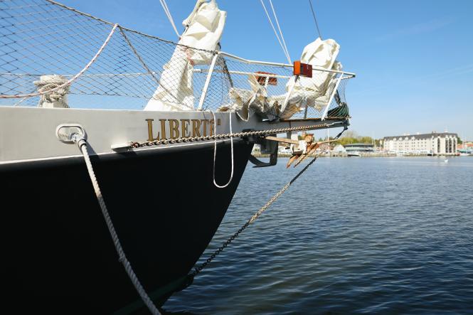 The Liberté is a schooner docked in Eastport