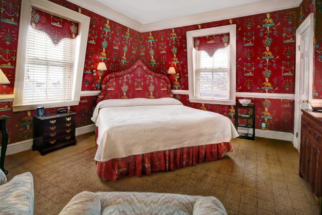 Flag House Inn Commodore Room.