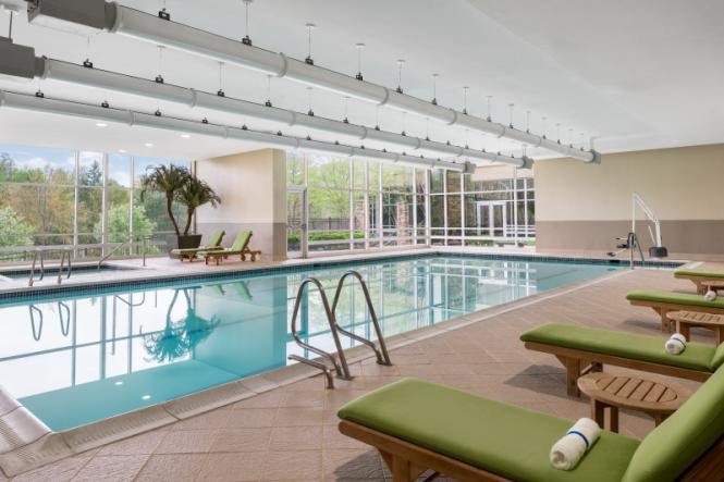Pool and hot tub at the Westin BWI