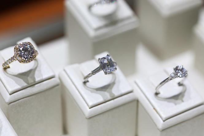 Smyth Jewelers diamond engagement rings.