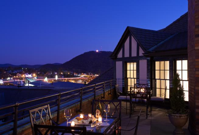 10 Luxury Suites for a Romantic Getaway to Virginia's Blue Ridge