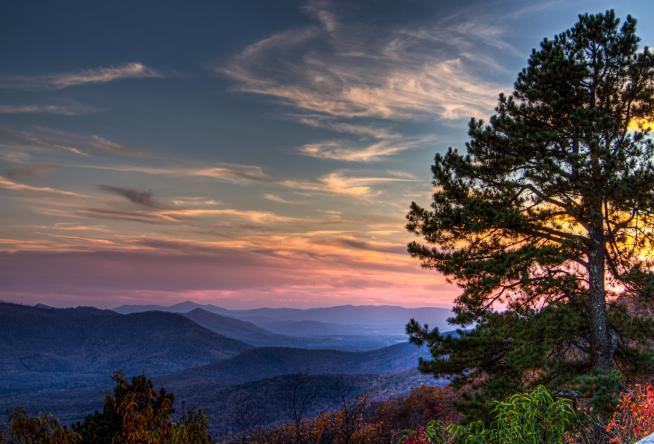 7 Iconic Overlooks on the Blue Ridge Parkway in Virginia's Blue Ridge