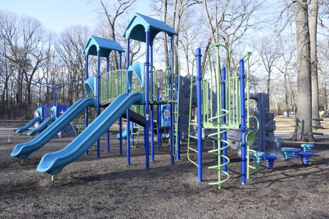 Brand new playscape at lake Waterford.